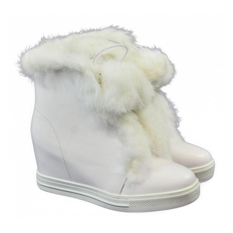 Biele čižmy s kožušinou - Dámske topánky  c34be22eb31